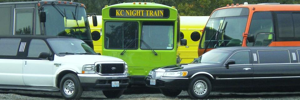 kansas-city-night-train-party-bus-and-limousine-service-group2