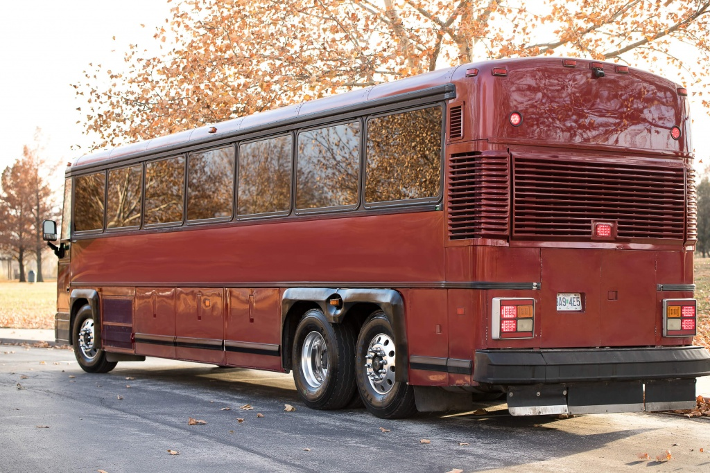Ambassador Bus (Exterior, Rear, Driver's Side)
